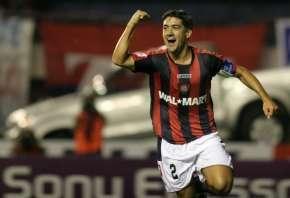 González celebrates the game's onlygoal