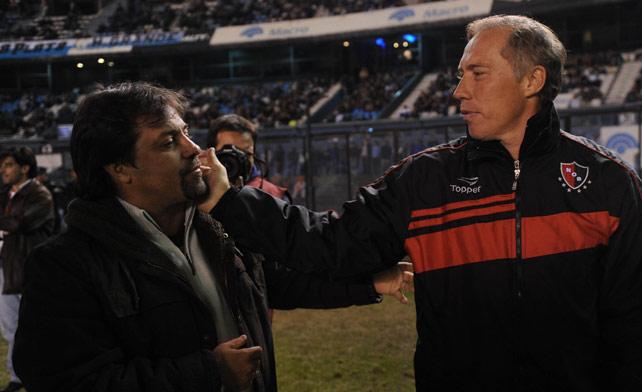 Sensini congratulates Caruso Lombardi with a slap in the face