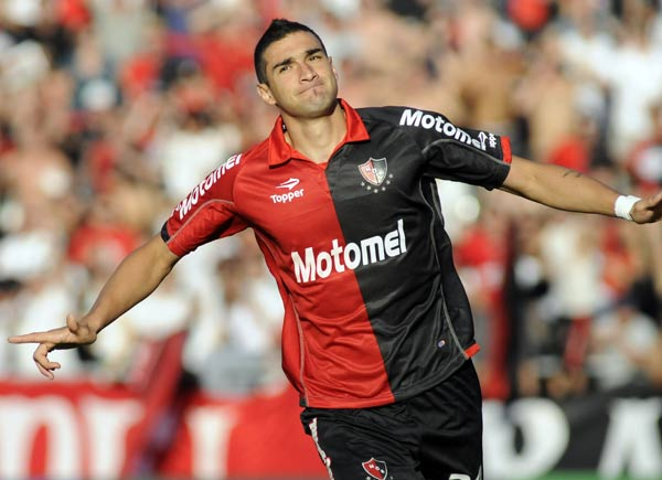 Joaquín Boghossian's double sends Newell's top